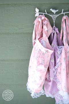 Georgell Doll Shop - Tea party aprons and dress up