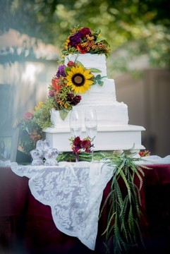 The Gathering Place Weddings & Receptions - wedding cake