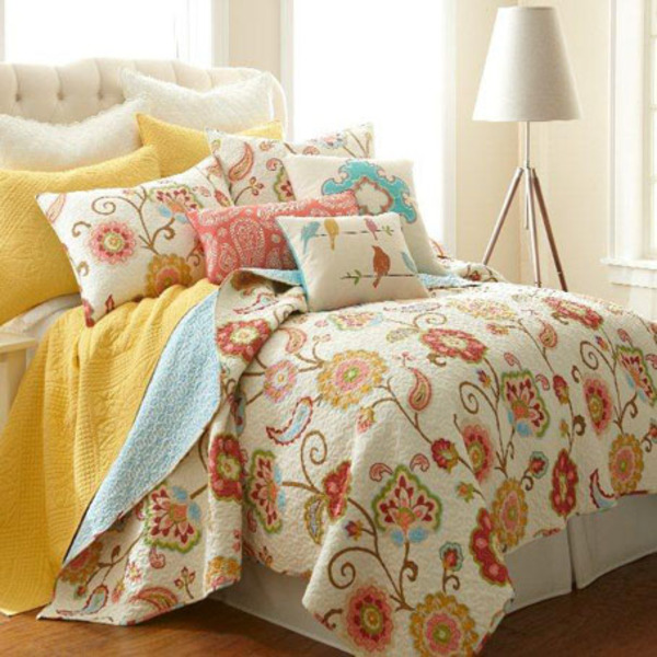 Bright Floral Quilt-
