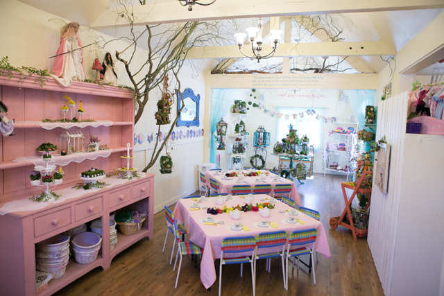 Georgell Doll Shop party space